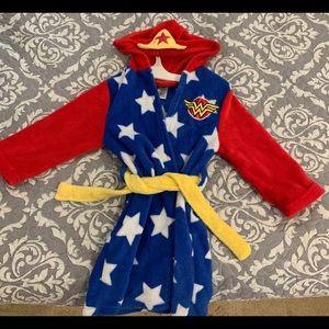 Girl's Wonder Woman robe